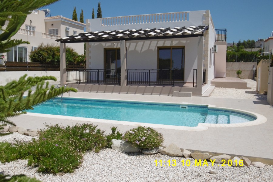 3 Bedroom Bungalow in Peyia with Panoramic Sea Views