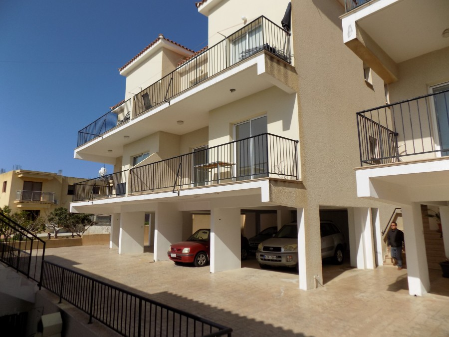 2 Bedroom Apartment in Peyia