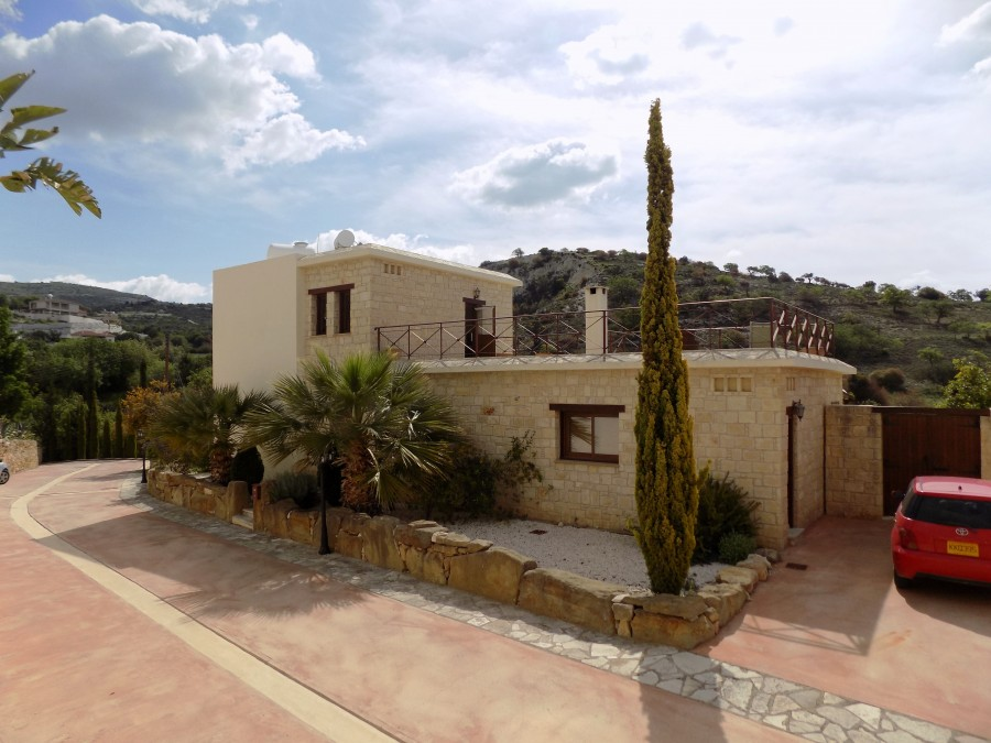 For Sale 3 Bedroom Villa in Mesogi