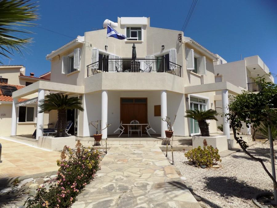 For Sale 3 Bedroom Villa in Koloni