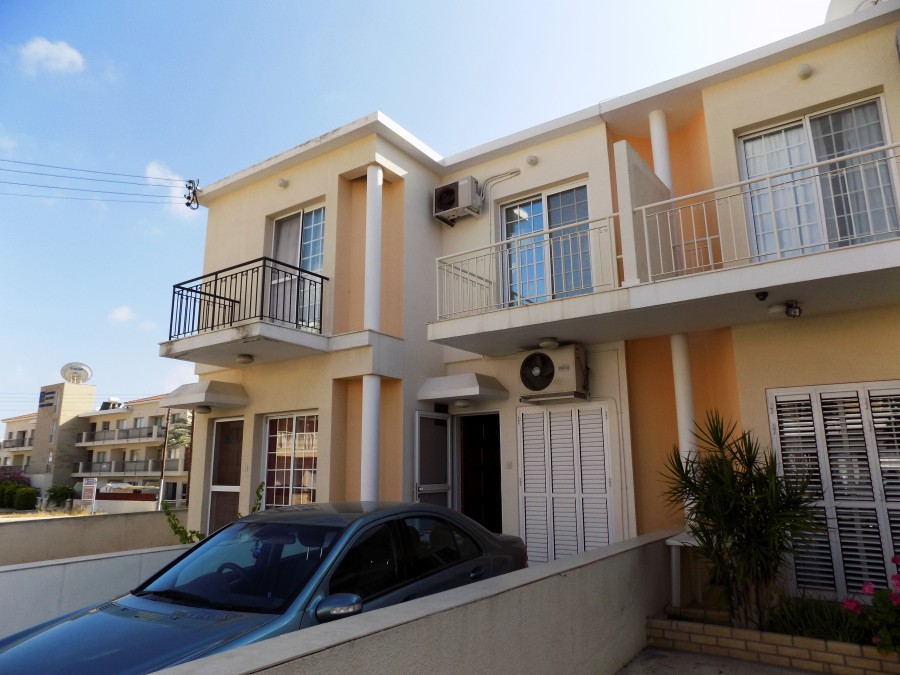 For Sale Town House in Moutalos
