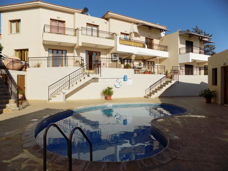 For Sale 2 Bedroom Town House in Peyia