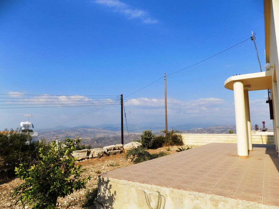 For Sale 3 Bedroom Bungalow in Theletra