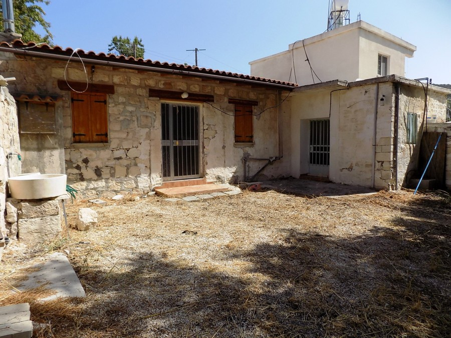 For Sale Traditional - Stone Built House in Akoursos